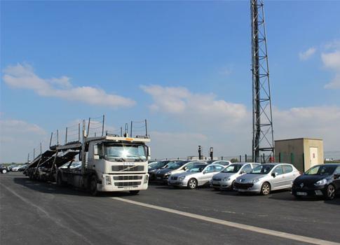 Déchargement camion transport véhicule